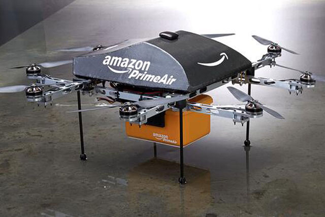 Dron de Amazon Prime Air: octocóptero con caja de transporte en su parte inferior.